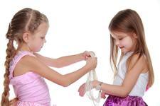 La ce trebuie sa fii atent cand cumperi bijuterii pentru copii?