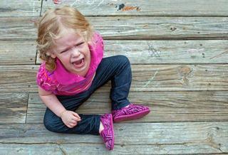 Crizele de nervi, primul pas al copiilor catre dezvoltarea inteligentei emotionale