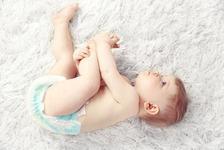 Scaun cu mucus la bebelusi. Ce probleme poate indica?