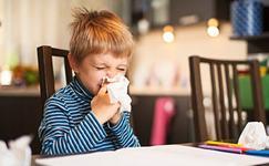 Alergia la praf si acarieni. Tot ce trebuie sa stii despre ingrijirea copilului alergic