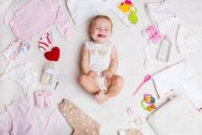 De ce hainute are nevoie un bebelus pe timp de vara