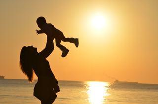 Bebelusul curcubeu sau momentul in care soarele iese iar pe strada ta!