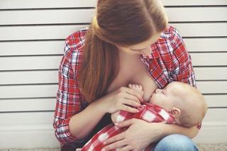 De ce este diferit laptele matern produs in timpul zilei fata de cel produs in timpul noptii