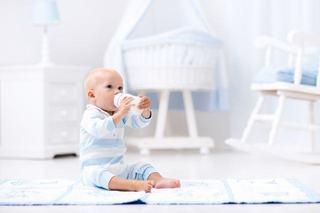 Lucruri pe care trebuie sa le stii despre hranirea copilului cu biberonul