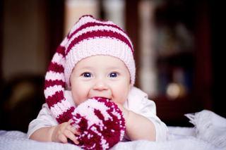 Cum imbraci copilul iarna. Sfatul pediatrilor pentru parintii romani