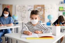 Masti chirurgicale copii: ce specificatii trebuie sa aiba pe etichete si cate sunt necesare la scoala