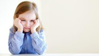 3 din 10 copii sufera de stres din cauza parintilor ocupati