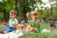 Asteptam prea mult de la copii, in loc sa ne schimbam viziunea asupra copilarie?