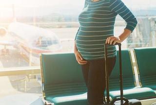 Cum te pregatesti de calatoria cu avionul in timpul sarcinii si cum traieste bebelusul excursia