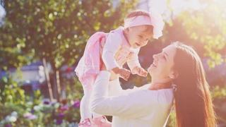 Mamele singure au sanse mai mari sa nasca fetite, potrivit stiintei