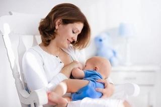 7 lucruri pe care ar trebui sa le stii despre laptele matern