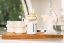 Laptele matern se strica la temperatura camerei dupa acest timp