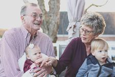 Ce poti face daca bunicii au un nepot preferat