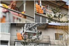 Un baietel in varsta de 3 ani si-a inchis bunica pe balcon. Pompierii au fost primiti cu aplauze de micut