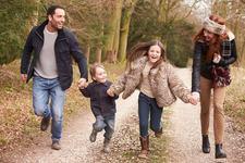 NU EXISTA nicio iubire mai pura si mai sincera decat cea pe care ti-o ofera copilul tau cand este mic