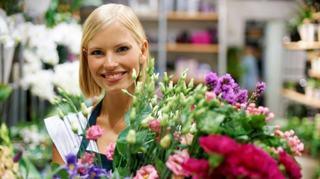 Ministrul Educatiei: Elevii vor putea oferi martisoare si flori profesorilor de 1 si 8 Martie
