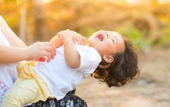 9 modalitati sa-ti faci copilul sa rada