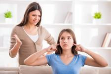 Mituri despre adolescenta - nu doar hormonii o iau razna!