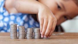 Cresc alocatiile pentru copii in luna ianuarie! Cati bani vor primi in plus