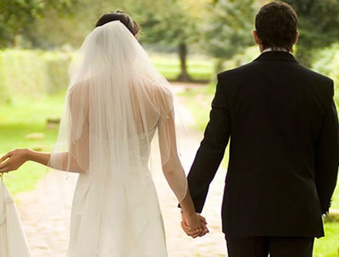 Fiscul, pe urmele tinerilor casatoriti