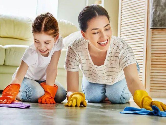 Tehnici prin care ii motivezi pe copii sa te ajute la treburile casei