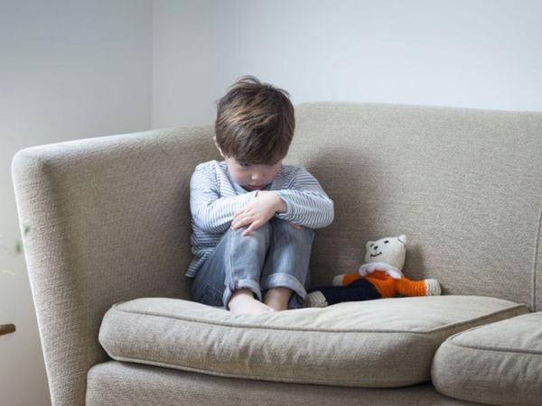 Simptomele lipsei afectiunii la copil. Cum se manifesta si care sunt consecintele