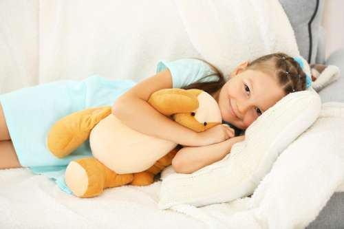 7 moduri de a calma copilul atunci cand are cosmaruri