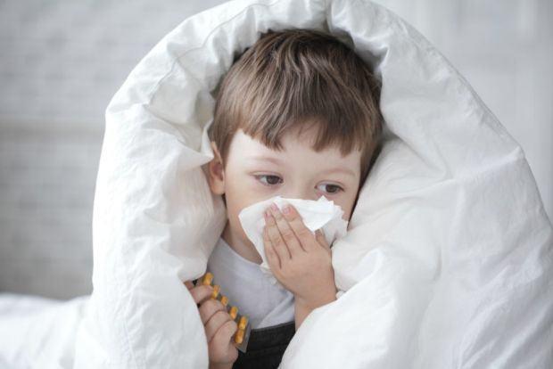 Cand tusea nu te lasa sa dormi: solutii naturale