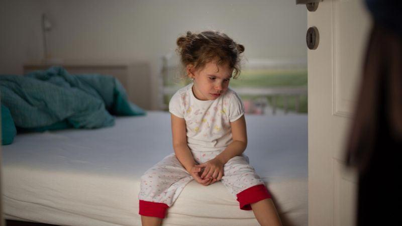 De ce copilul meu face inca pipi in pat?