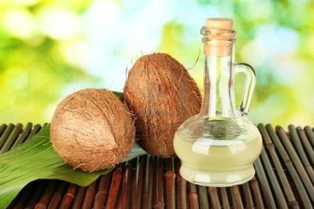 Uleiul de cocos, remediu pentru problemele familiei