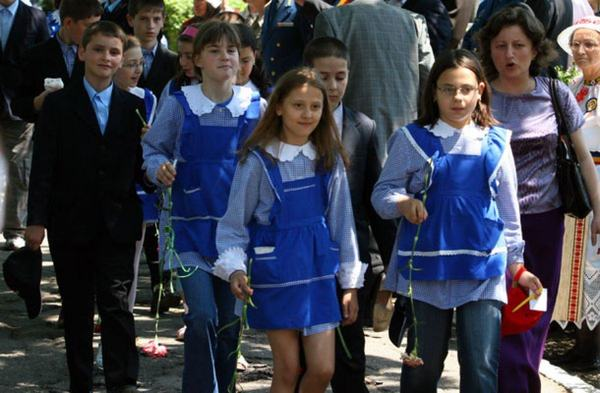 Proiect: Uniforma, obligatorie in toate scolile de Romania