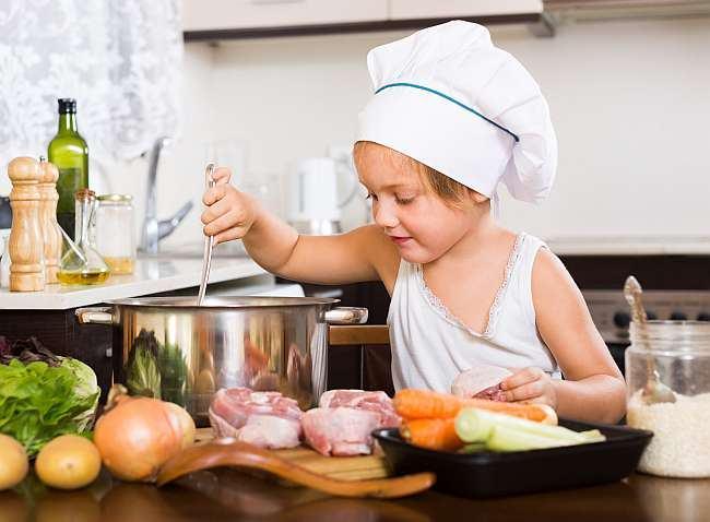 Ora de nutritie sau cand copiii isi invata parintii cum sa manance sanatos