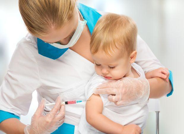 Ministerul Sanatatii a inceput livrarea noilor doze de vaccin Hexavalent