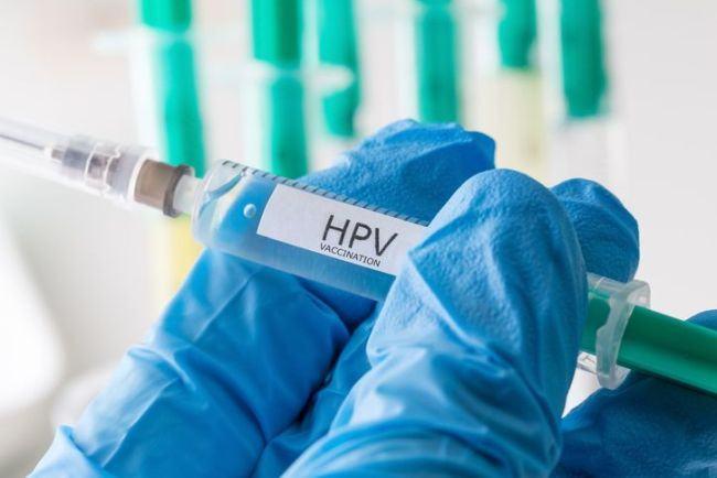 Studiu. Vaccinarea ar putea duce la eradicarea cancerului de col uterin