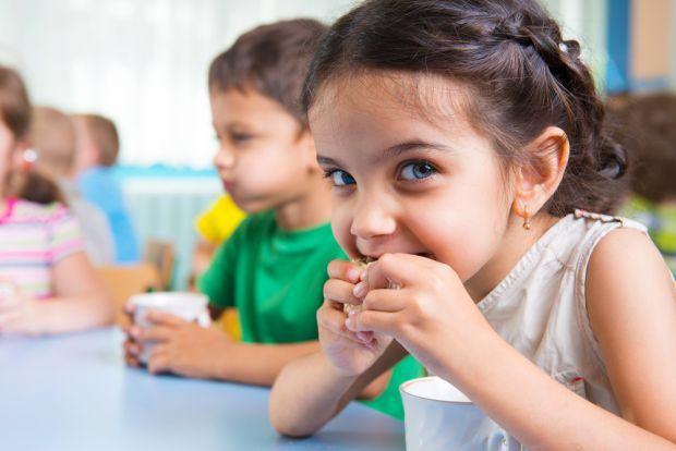 4 vitamine care iti vor face copilul mai destept. Le-ai inclus in dieta micutului tau?