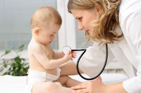 Importanta vizitelor lunare ale bebelusului la medic