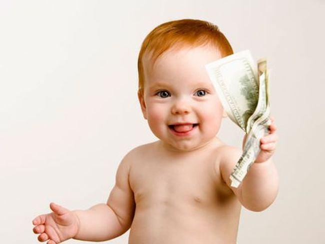 Vouchere de 150 euro pe luna pentru copiii sub trei ani, potrivit unui proiect de lege