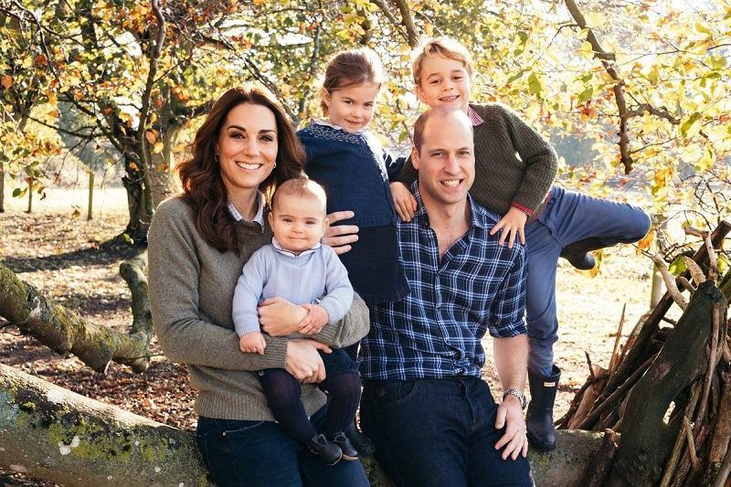Cum vor arata peste 21 de ani mostenitorii familie regale  britanice George, Charlotte, Louis si Archie