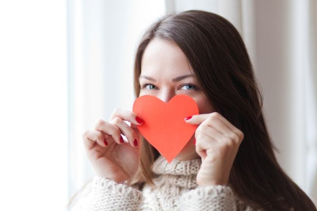 14 lucruri pe care le gandesc mamele despre Valentine`s Day