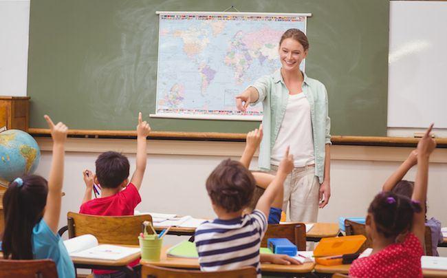 Pe 5 iunie, de Ziua Invatatorului, elevii nu fac ore