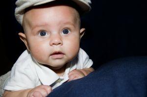 Statul pe burtica la bebelusi, de ce este important?