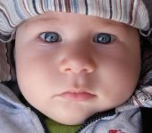 Bebelusul de 8 luni si 3 saptamani
