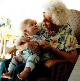 La cresa sau la bunici? Cu cine lasi copilul?