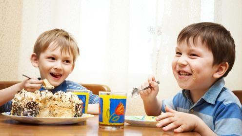 Controlul portiilor in alimentatia copilului