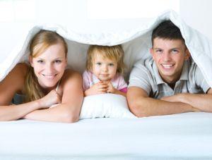 Cum dezvatam copilul sa doarma in pat cu parintii?