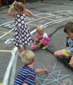 Cum ajuti copilul mic sa isi faca prieteni?
