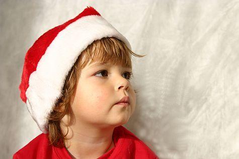 Cum inveti copilul mic colinde de Craciun?