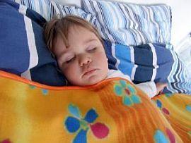 Copilul meu refuza sa mearga la culcare. Ce fac?