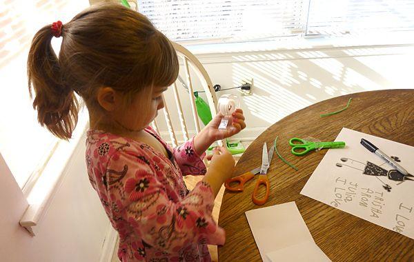 Cum sa dezvolti motricitatea fina a copilului