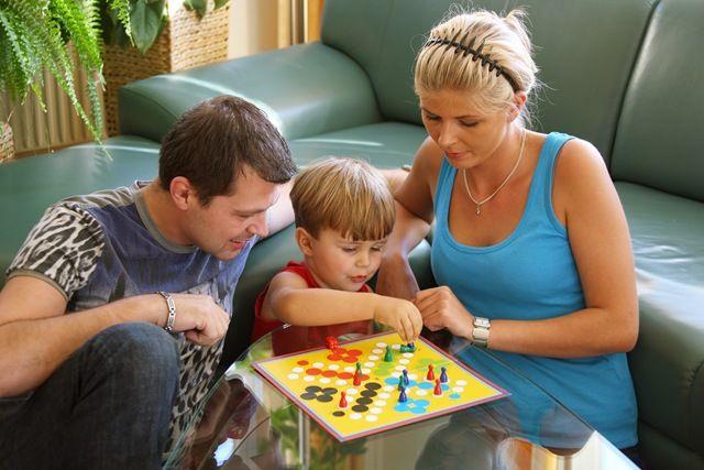 9 activitati distractive pentru copii in zilele ploioase